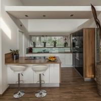 vinyl-laminate-flooring-kitchen-8